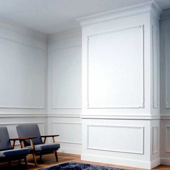 Door timeless and elegant skirting around Orac Decor