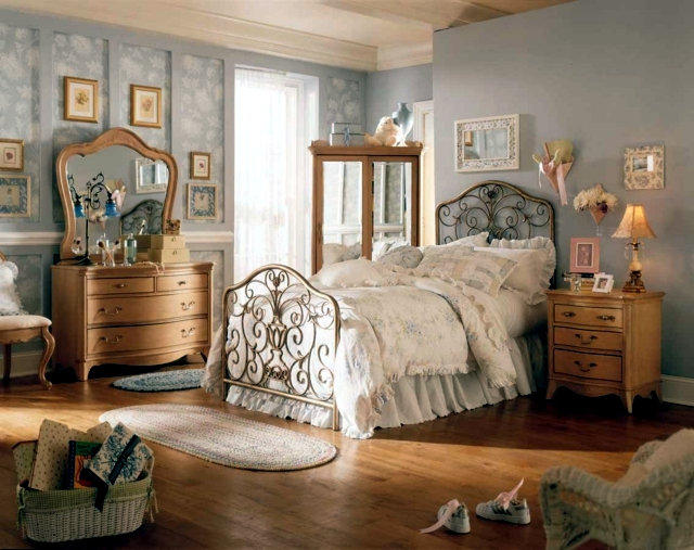 Shabby Chic Colors Style : Room in shabby chic decorating style introduced u a touch of