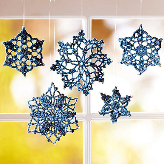 Winter and Christmas decoration with snowflakes DIY
