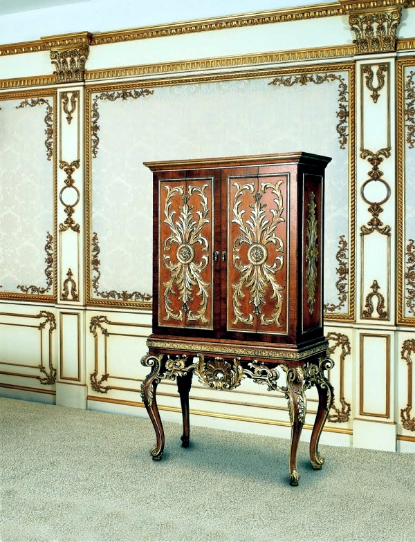 Design in the rococo style more reminiscent of fine art for Antique baroque furniture