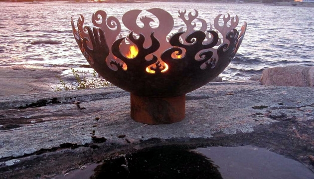 Garden Fire Bowls: 13 attractive designs