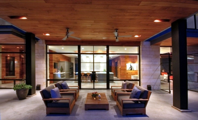 Modern residence in Texas with rooftop terrace and rooftop pool