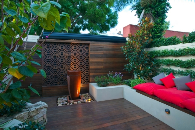 Screening fence in -23 garden ideas on how to preserve privacy ...