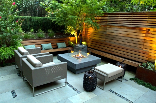 Screening fence in 23 garden ideas on how to preserve for Garden screening ideas