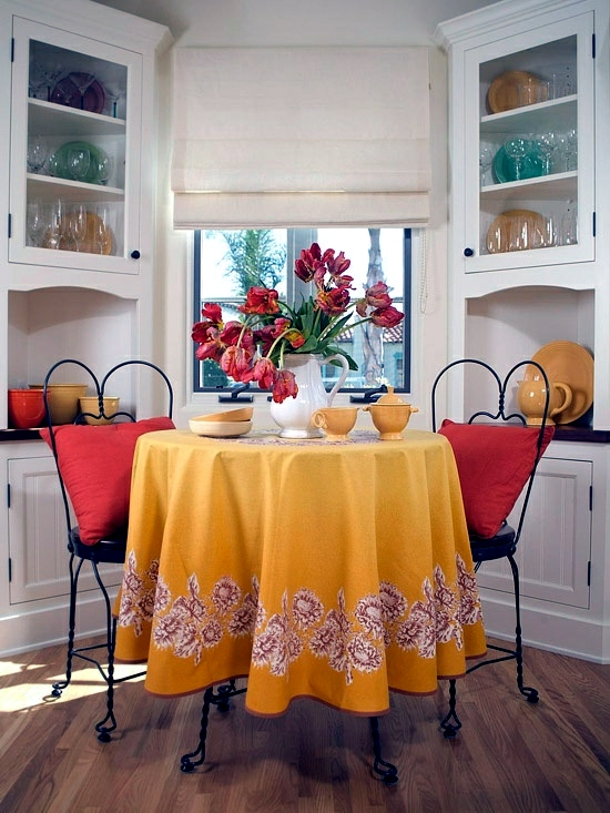 Plan and Design small kitchen with dining room - inspiring ideas
