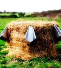 living-green-urinary-using-straw-composting-0-132