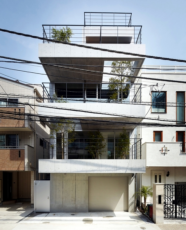 House with balcony modern concept implemented by ryo for Balcony terrace