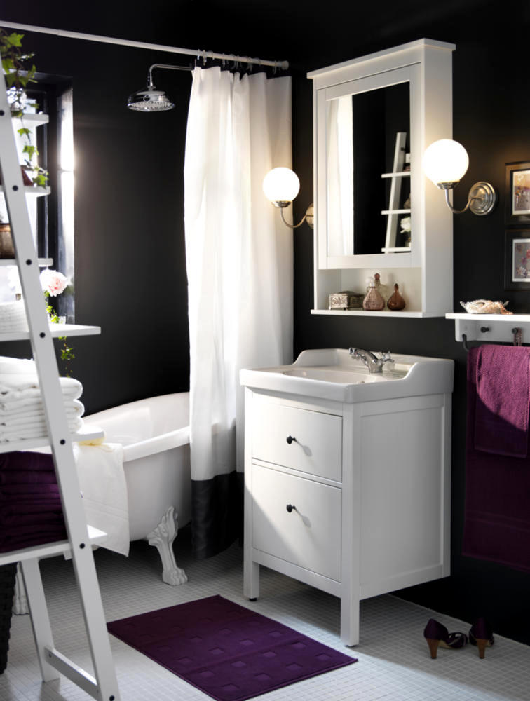 Chamber of anthracite bathroom design, purple and white ...