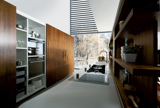 HI-MACS modern kitchen with island by Miton - Mirosi