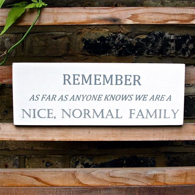 Fun Ideas to decorate the garden a touch of humor
