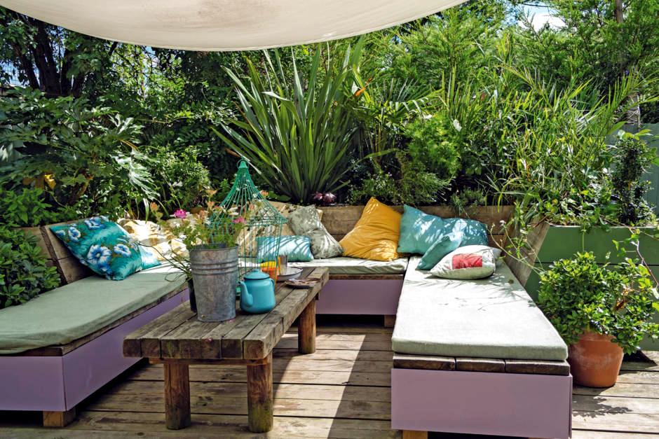salon mediterranean garden interior design ideas ofdesign. Black Bedroom Furniture Sets. Home Design Ideas