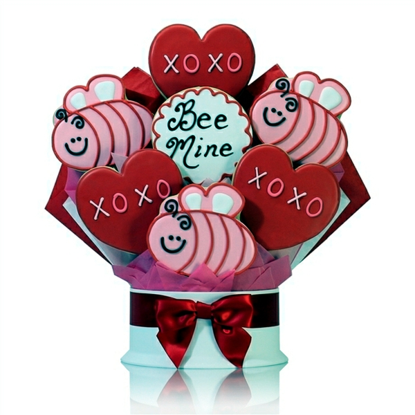 Gifts for Valentine's Day - sweeten your life with heart cookies