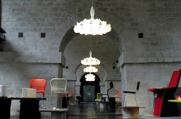 """Elegant pendant lamp with diffuse light """"Zeppelin"""" by Marcel Wanders"""