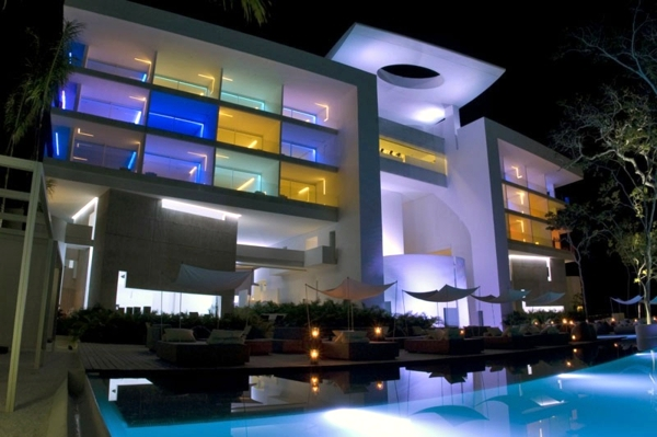 This Modern Hotel In Acapulco With A Futuristic
