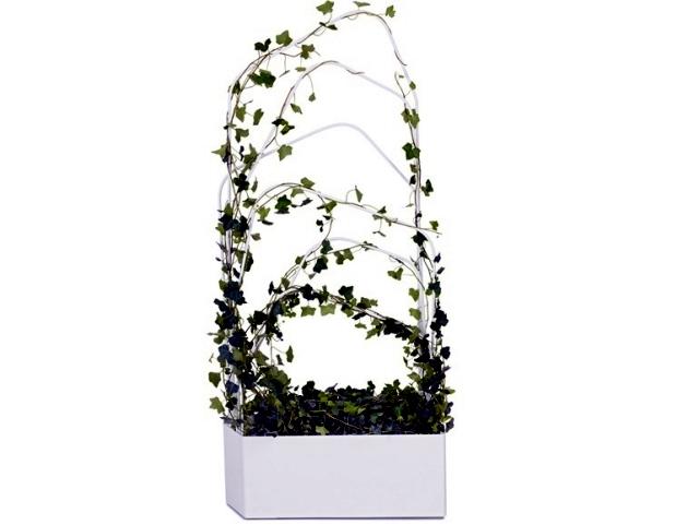 Metal planter with trellis design Offecct