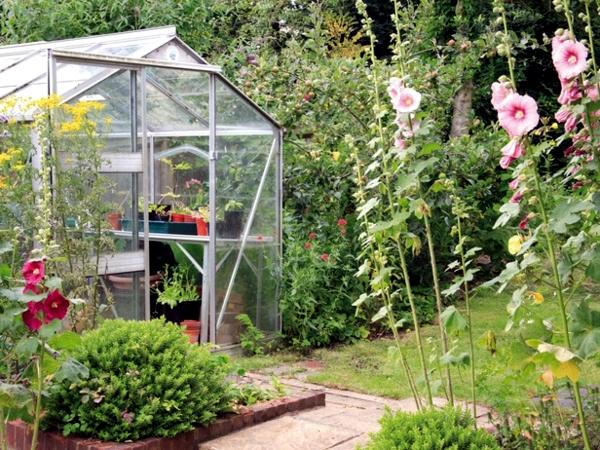 Creating a garden - Principles and design ideas, rustic style