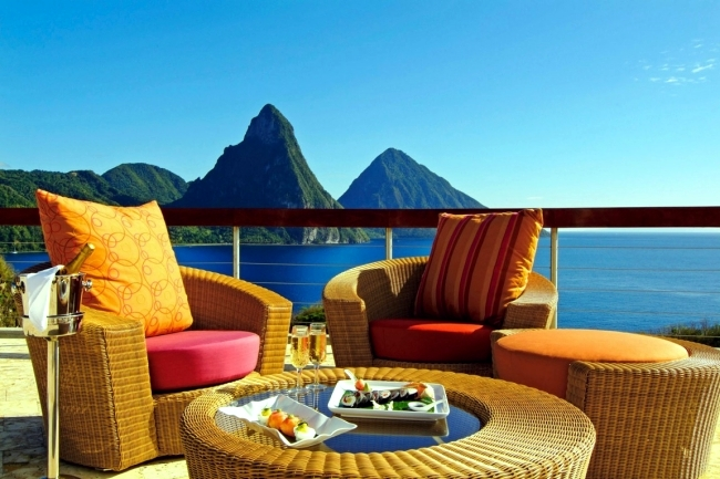 Jade Mountain Resort offers a choice of unforgettable holidays