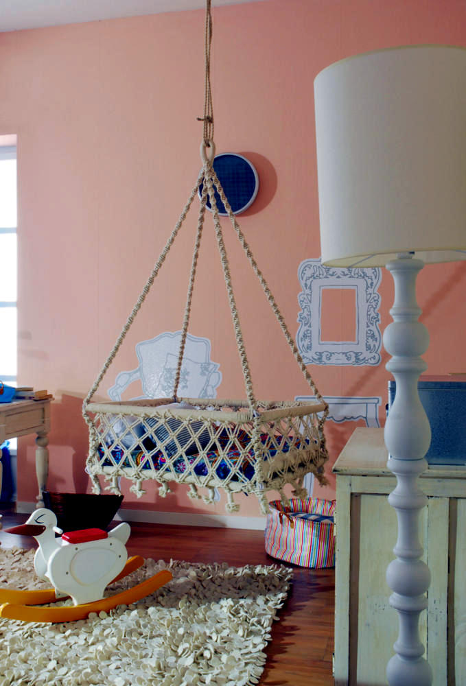 Hanging Cradle rooms decorated in a romantic way ...