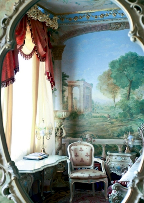 Luxury apartment in the rococo style in St. Petersburg - live like a palace
