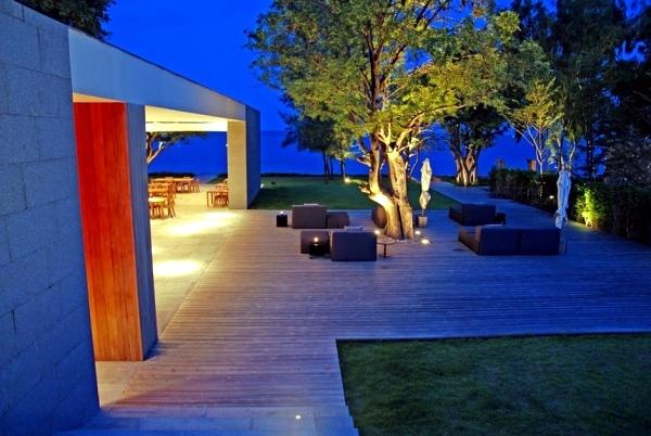 Luxury Resort Kui Buri in Thailand - architecture with natural materials