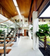 chalet-incorporates-the-stairs-of-modern-life-compact-image-0-219