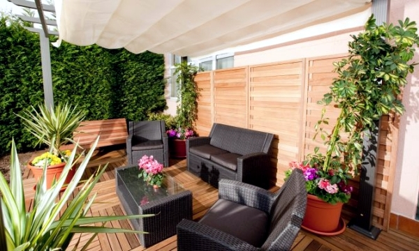 Garden Privacy Screen made from natural materials of wood, bamboo, plants