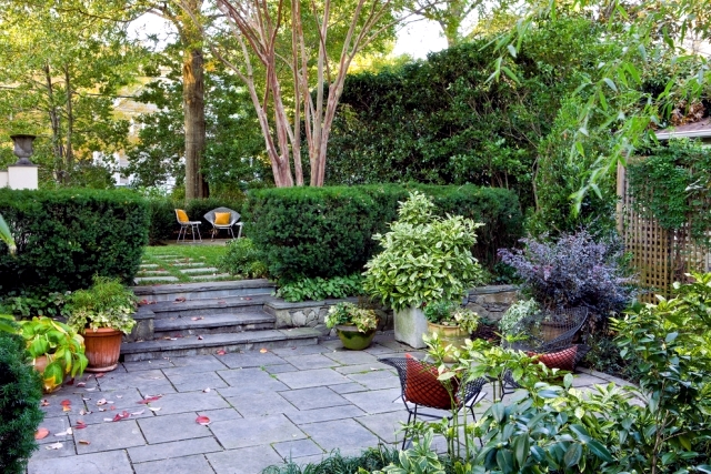 Proper care for the garden makes a beautiful outside view