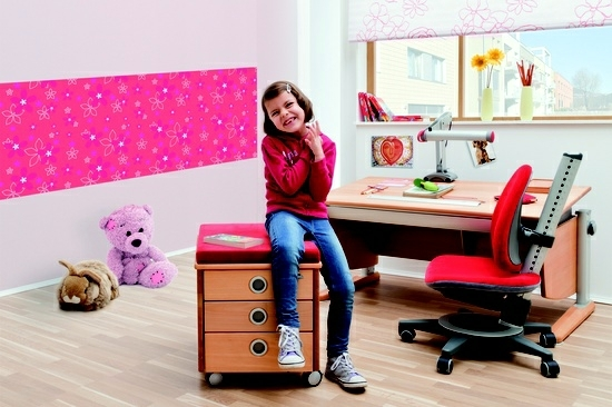designs office chair for effective learning in the nursery