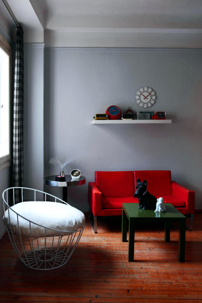 red sofa in retro look interior design ideas ofdesign