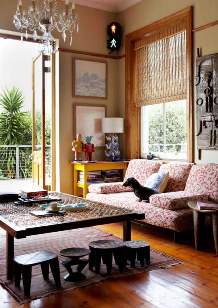 Living Room Furniture With Ethnic Sculptures Interior