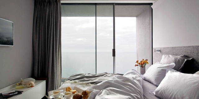 A cottage on the cliff offers a breathtaking view