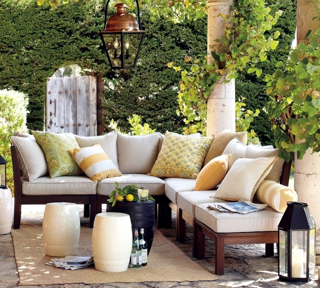 Wooden Garden Furniture maintain regular cleaning and oiling