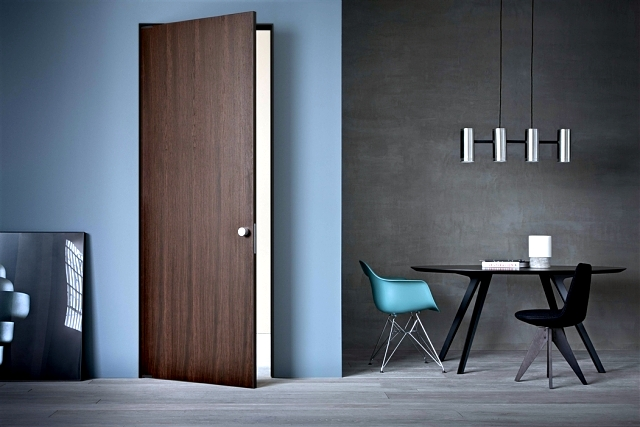 The doors of the Italian designers Lualdi door for modern spaces