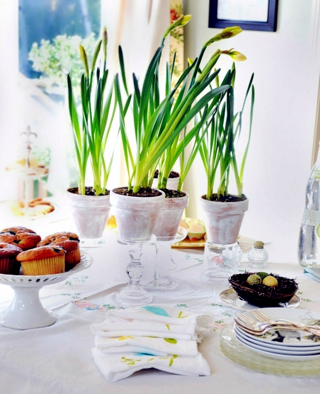 Spring decorations on the table - 33 ideas for fun floral arrangements