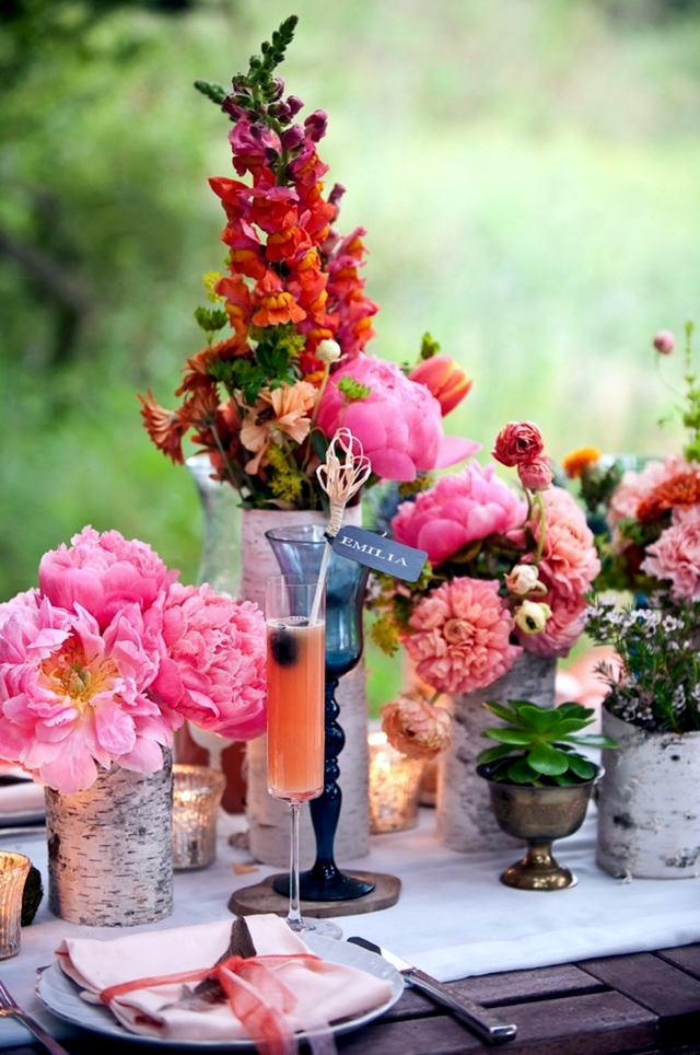 Spring decorations on the table 33 ideas for fun floral - Flowers for table decorations ...