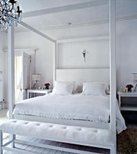 white-canopy-bed-in-white-room-0-249