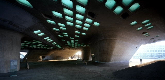 Zaha Hadid Architecture - 10 inspirational messages for the future
