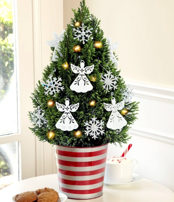 Christmas tree in pot the festive decor and beautiful for Small designer christmas trees