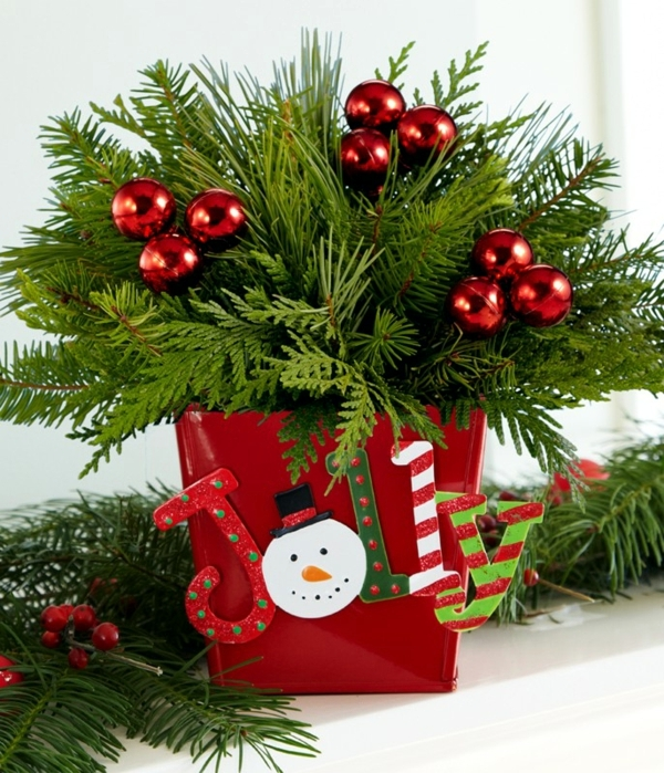 christmas tree in pot the festive decor and beautiful. Black Bedroom Furniture Sets. Home Design Ideas