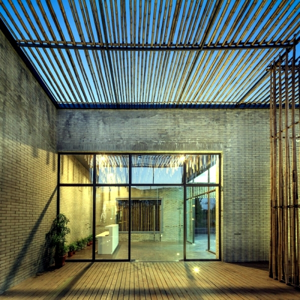 House with bamboo blinds in the traditional architectural style chniesischen