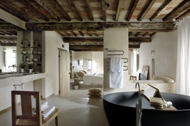 The rustic Monteverdi Ilaria Miani, in the heart of Tuscany