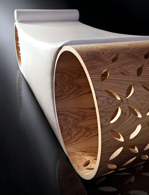 "The olive wood modern armchair ""Starlit"" - true Spa experience"