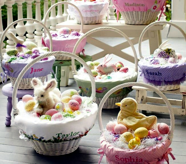 Easter Crafts - mood spring table decoration