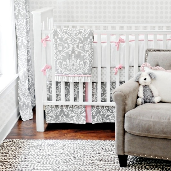 Thumbnail baby room - choose a practical bed with bars