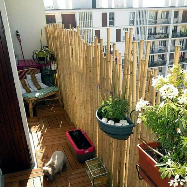 Bamboo balcony privacy screen ideas with plants carpets for Privacy screen ideas home design