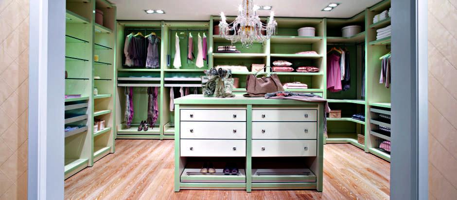 Walk-in in green