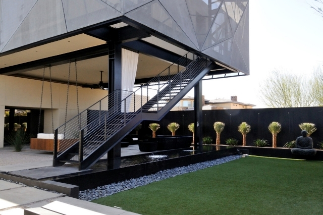 Delicieux The Use Of Steel Stairs Takes Place In Outdoor Garden, Patio Or Multi Story  Homes. Here, The Scale Of The Steel Is Probably The Easiest To Keep Up The  ...