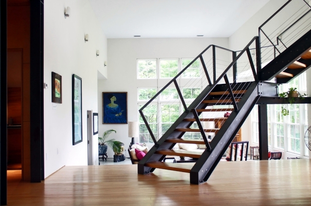 Superbe The Modern Steel Staircase Inside And Outside In The Amazing Design