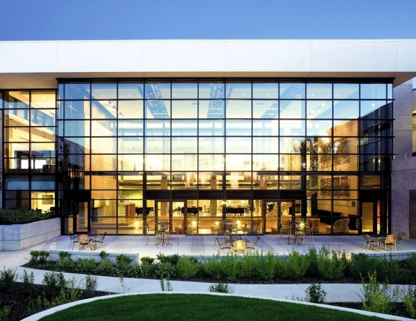 Curtain Wall Building Design : Modern facade the beauty of glass curtain walls