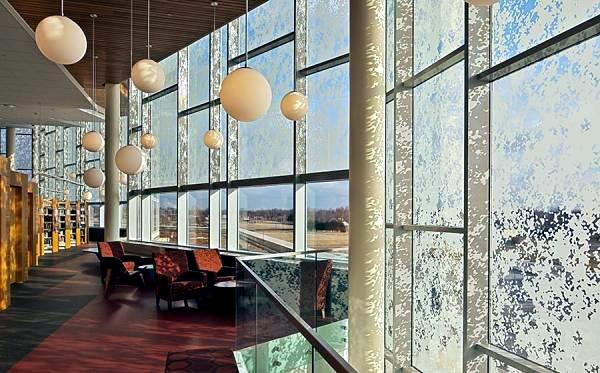 Modern Facade - The beauty of glass curtain walls
